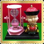 ตุ๊กตาบัณฑิตจีนถือลูกท้อ