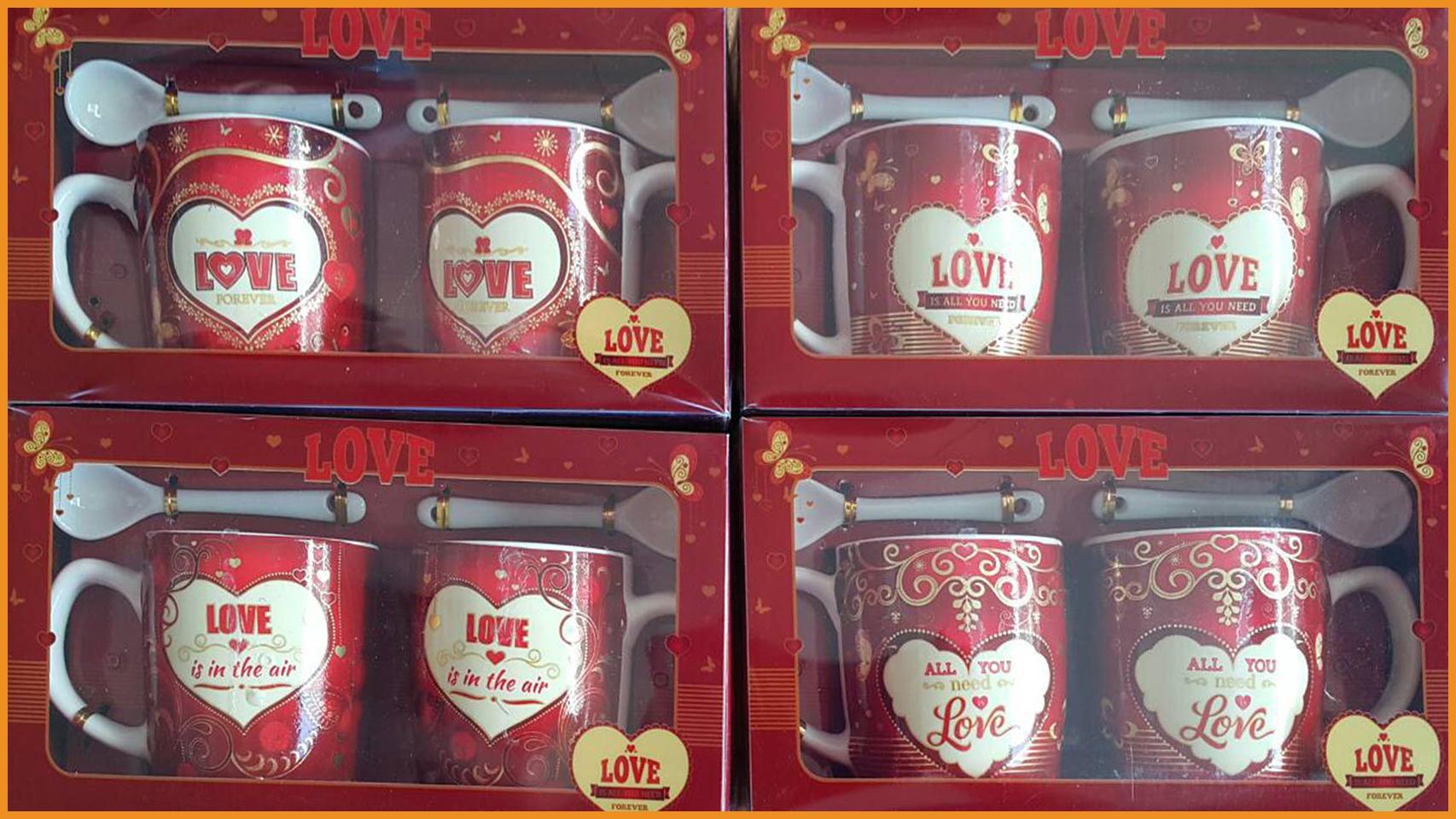ชุดแก้วกาแฟคู่พร้อมช้อนลวดลายพร้อมกล่องแดงลายหัวใจ รุ่นเล็ก